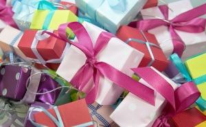 cadeaux gift-444520_640