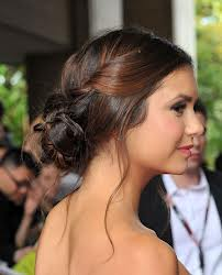 coiffure Magnifique-chignon-Nina-Dobrev