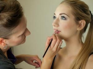 tuto makeup-487063_640