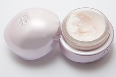 cream-194126_640