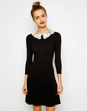 robe noire avec col dentelles