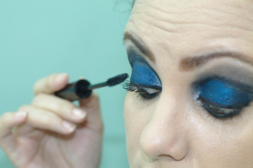 eyeliner-388378_1280
