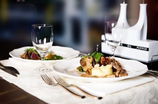 restaurant-646678_1280