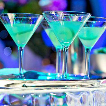 alt-cocktail-blue-lady