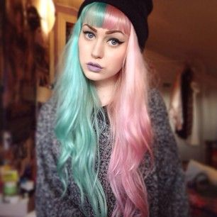 alt-split-hair-pastel-rose-bleu
