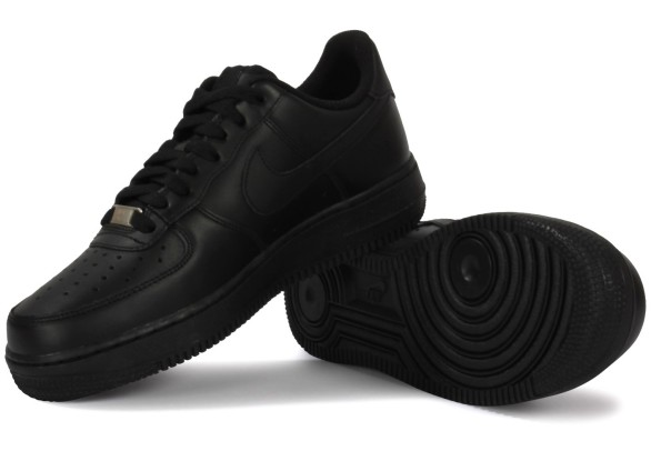 6754-chaussures-nike-air-force-1-noire-vue-dessous-semelle_1