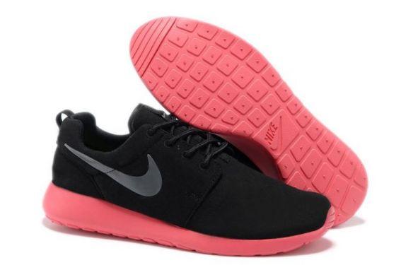 chaussures-nike-roshe-run-homme-noir-rose-argent