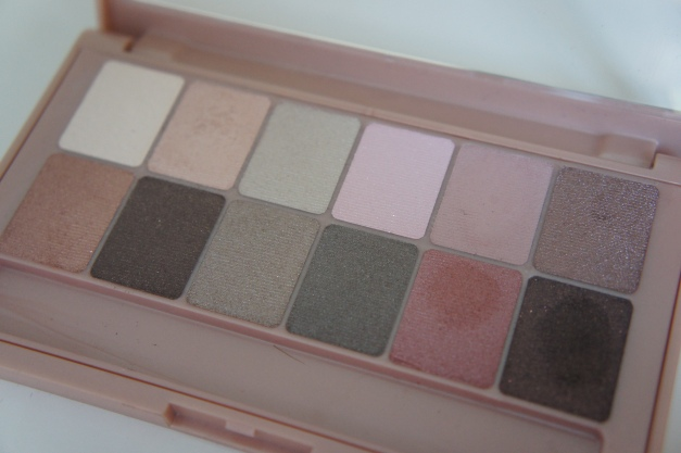 alt-palette-the-blushed-nudes-maybelline2015-3