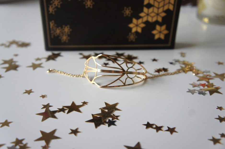 emma-et-chloe-le-bracelet-envoûtant