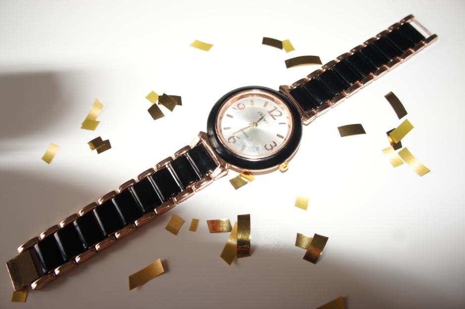 alt-montre-bicolore-noire-or-rose-1