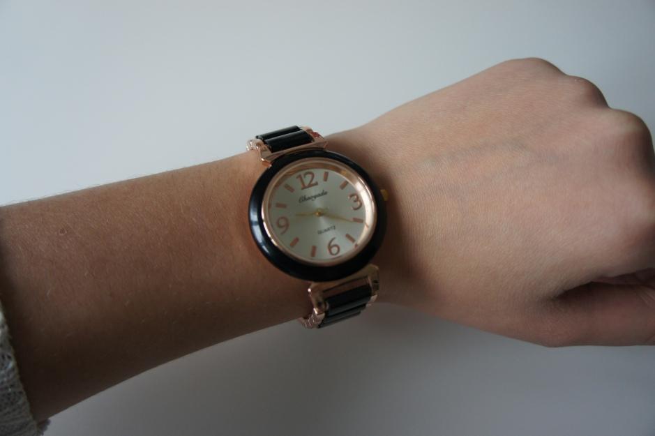 alt-montre-bicolore-noire-et-dore-2
